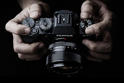 Máy ảnh du lịch giá rẻ Fujifilm X-T1 nổi bật với thao tác lấy nét tự động, xử lý ảnh và hiển thị ảnh đều rất nhanh