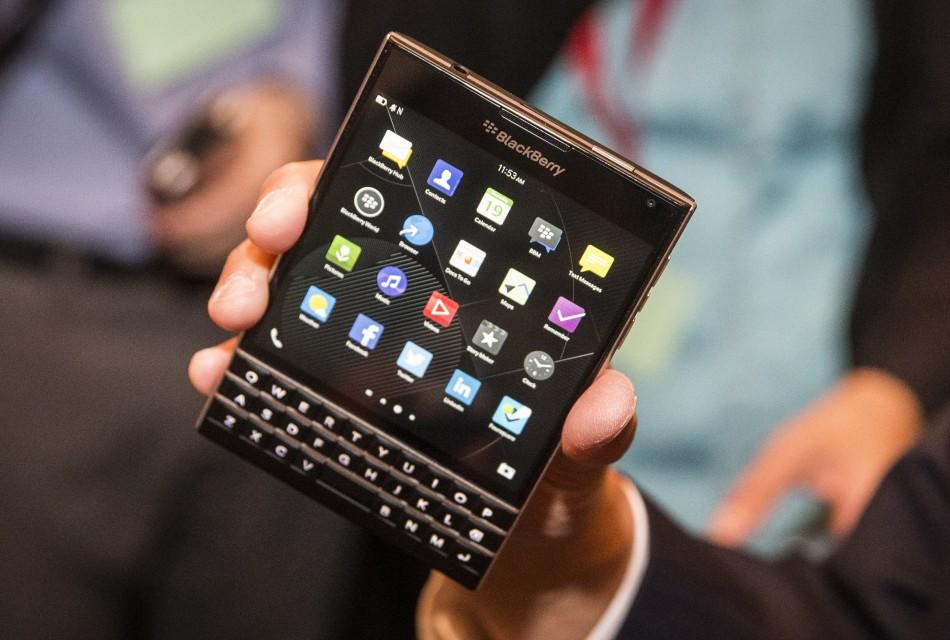 BlackBerry Passport có tính năng bảo mật cao.