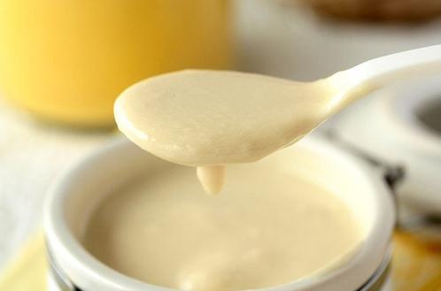 Sữa chua chứa chất bảo quản hạn chế sự phát triển của nấm mốc, lên men
