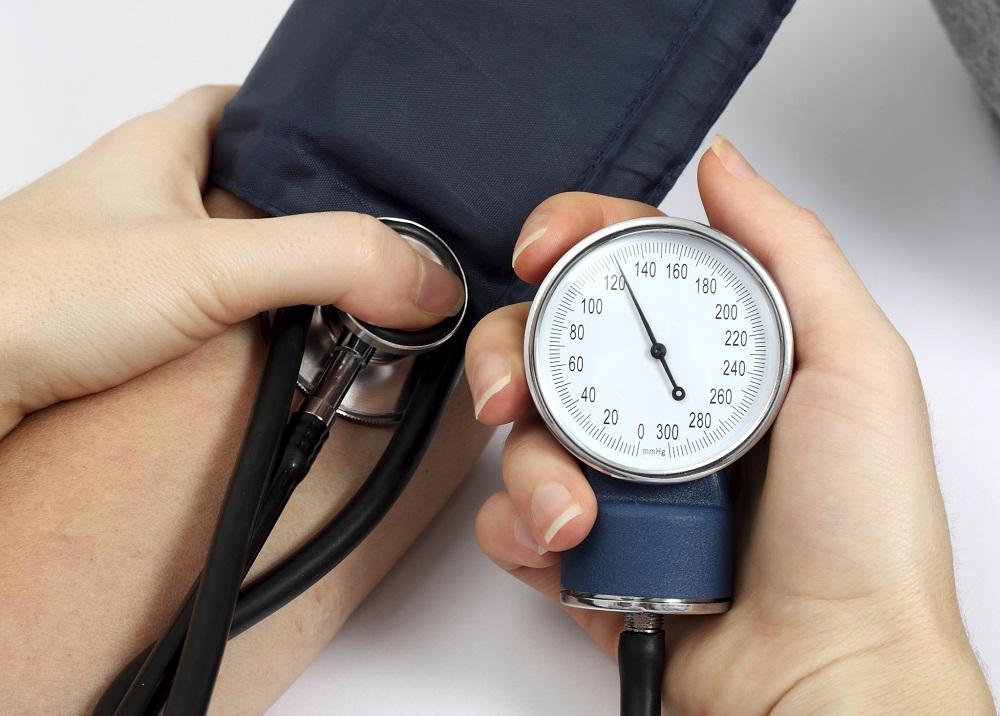 Cao huyết áp khi mang thai mẹ bầu cần phải được theo dõi cẩn thận để sớm phát hiện tình trạng nhiễm độc thai nghén