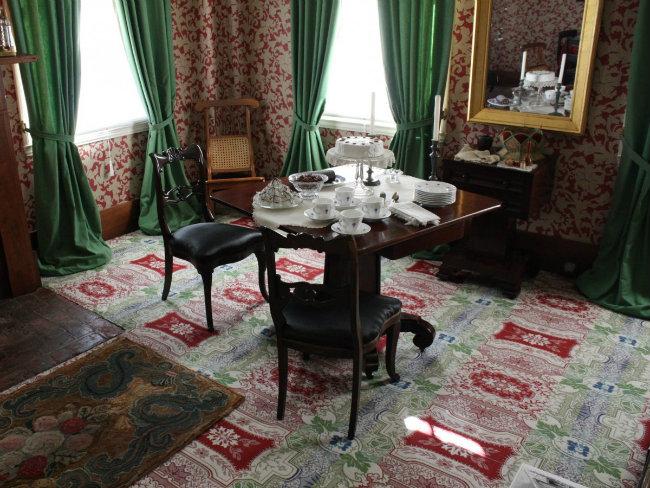 Ông đã mua căn nhà này với giá 1.500  USD. Ông sống ở đây từ năm 1844 đến năm 1861, và ngày nay, ngôi nhà đã được trùng tu hoàn toàn để cho giống với thời điểm 1860.