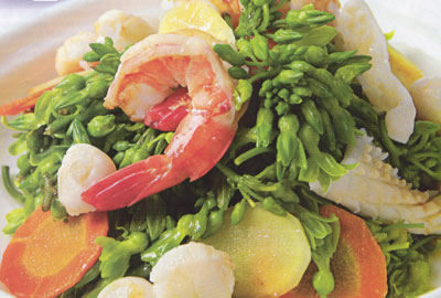 Vải xào nhồi tôm thơm ngon, đậm vị là món ăn lý tưởng cho bữa cơm