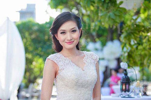 Thanh Huyền vẫn giữ được nụ cười tươi tắn, gương mặt xinh đẹp. Cô hiện là MC của kênh truyền hình VTV6.