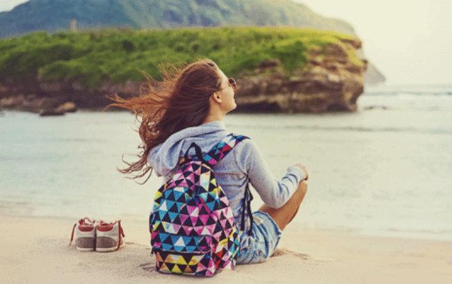Không ai biết đến bạn: Đối với một số người, đi du lịch một mình là sự khởi đầu mới hoặc là một lối thoát tạm thời khỏi cuộc sống. Đó không có nghĩa nói rằng bạn là một con người khác nhưng bạn có thể nhận thấy nhiều điều mới mẻ khi bạn quay trở về.