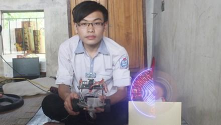 Tin khoa học công nghệ trong nước nổi bật hôm nay là một học sinh lớp 9 ở Hà Tĩnh đã chế tạo thành công robot thám hiểm điều khiển wifi