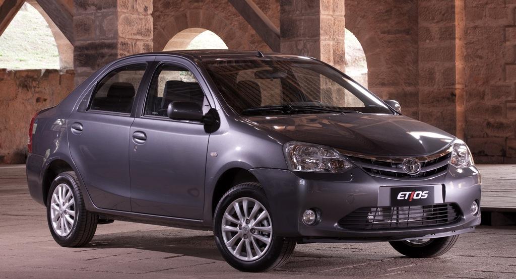 Hai mẫu ô tô giá rẻ với độ an toàn cao, Etios Liva và Etios sedan của Toyota