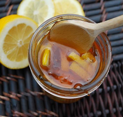 Tăng cường miễn dịch – công dụng hiệu quả không ngờ của nước mật ong ấm