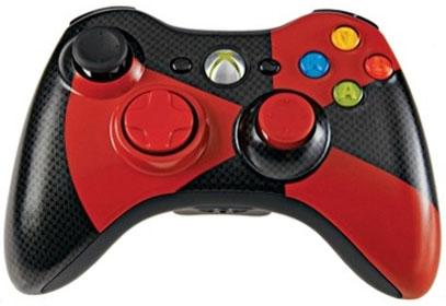 Đặc biệt, Xbox 360 với thiết kế tiện dụng nhỏ gọn khiến cho các game thủ chơi với cảm giác hoàn toàn thoải mái. Hiện nay, Xbox 360 được bày bán trên thị trường với 2 phiên bản có dây và kết nối USB không dây. Cả 2 phiên bản có dây và không dây đều sở hữu hệ thống truyền rung động nhiều cấp độ thông minh, thiết kế các phím bấm mềm mại, hợp lý của Xbox360 mang lại cho các game thủ những cảm giác chân thực nhất về game mà họ chơi, đảm bảo tập trung vào chơi trò chơi mọi lúc.