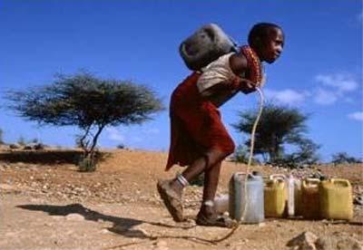 """Day dứt nạn đói, thiếu nước """"vắt kiệt"""" trẻ em châu Phi"""