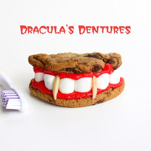 Những chiếc bánh hình răng nhọn hoắt của Dracula sẽ khiến bữa tiệc Halloween thêm sinh động.