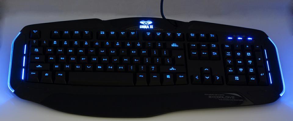 Bàn phím backlit rất hữu dụng với những game thủ thích chơi game vào ban đêm và các game thủ thích thời trang.