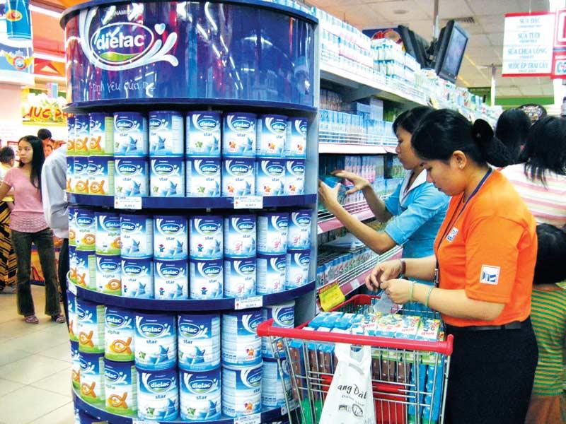 Bộ Tài chính đã có nhiều biện pháp hướng dẫn bình ổn giá sữa