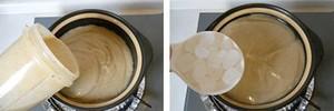Đổ đậu xanh xay nhuyễn vào một chiếc nồi khác, thêm đường phèn hoặc đường trắng vào, chờ đường hoàn toàn tan chảy, nếm vừa ăn.