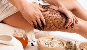 Ngoài ra, bước này còn giúp nuôi dưỡng cơ thể vì trong scrub thường có những thành phần dưỡng ẩm và làm sạch cơ thể. Do đó, những dưỡng chất trong cơ thể mất đi khi tắm sẽ được thay thế bởi những dưỡng chất scrub.