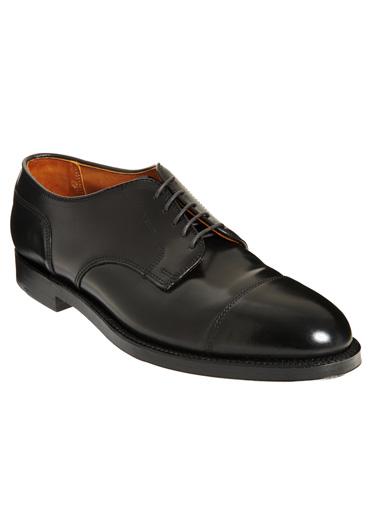 Giày buộc dây da thuộc mềm hiệu Alden
