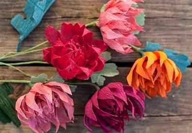 Làm việc hăng say và hiệu quả hơn mỗi ngày với bó hoa giấy xinh xắn nhé.