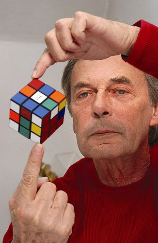 Kiến trúc sư Erno Rubik