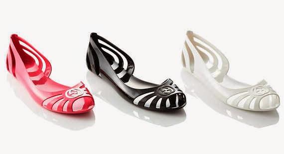 Dép sandal bằng cao su giúp chị em thoải mái trong mùa mưa