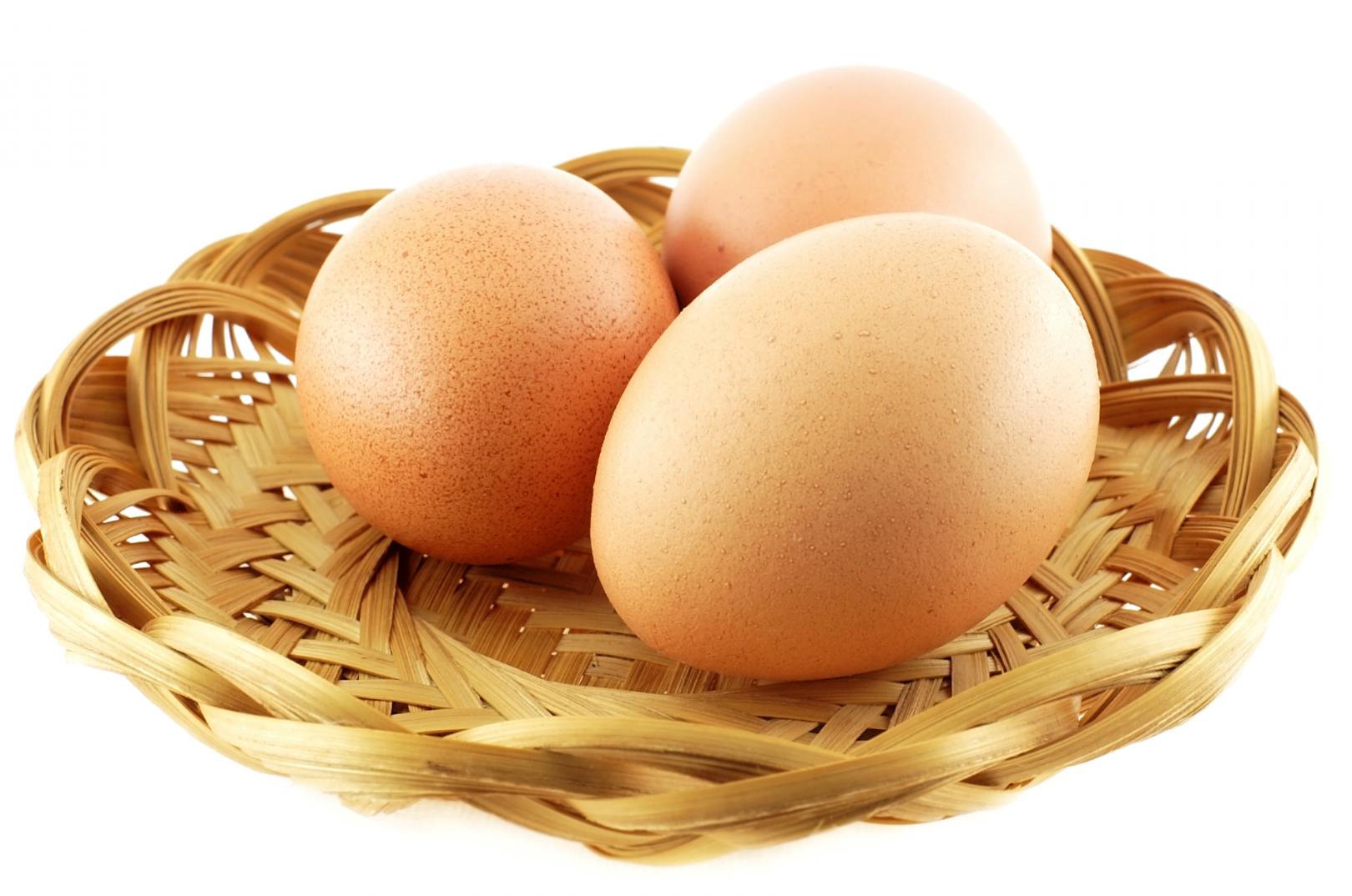 Nhận biết thực phẩm an toàn – trứng gà giả Trung Quốc qua hình dáng, kích thước bên ngoài và thông qua các giác quan