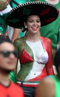 Nữ CĐV Mexico xinh đẹp trong trận Brazil gặp Mexico