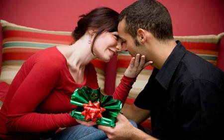 Quà giáng sinh cho ông xã sẽ thêm tinh tế và ý nghĩa nếu các bà vợ hiểu rõ sở thích của chồng