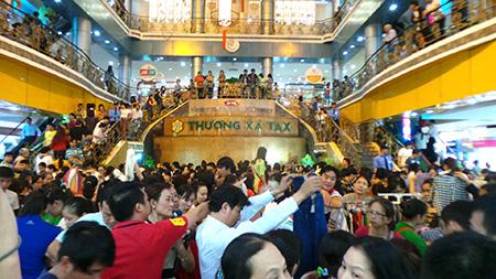 Thương xá Tax – trung tâm thương mại sầm uất, lâu đời nhất Việt Nam sắp bị phá bỏ