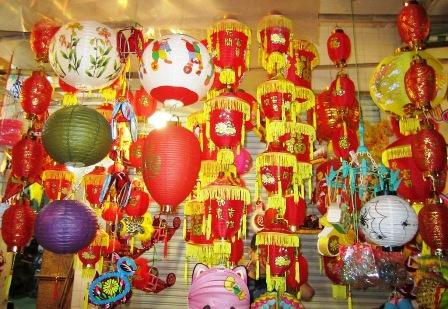 Các doanh nghiệp đồ chơi trung thu truyền thống của nước ta đã có những hướng đi đúng đắn để cạnh tranh với đồ chơi ngoại