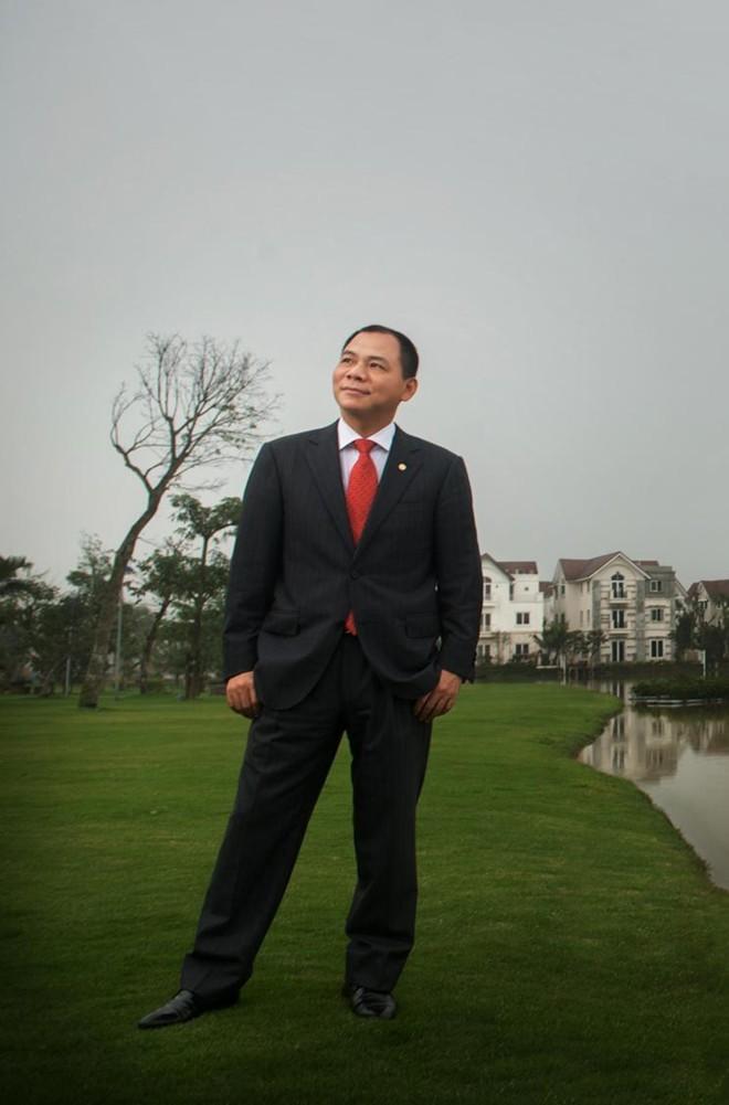 Chủ tịch tập đoàn Vingroup Phạm Nhật Vượng là tỷ phú đô la đầu tiên của Việt Nam