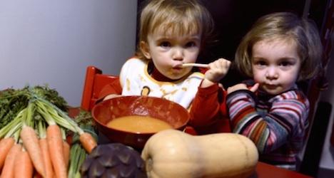 Không nên cho trẻ nhỏ và phụ nữ mang thai ăn chay để tránh bị thiếu máu, mệt mỏi