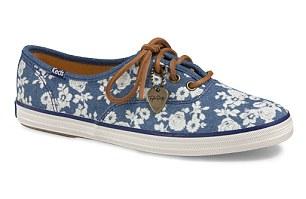 taylor swilf và bộ sưu tập giày mới