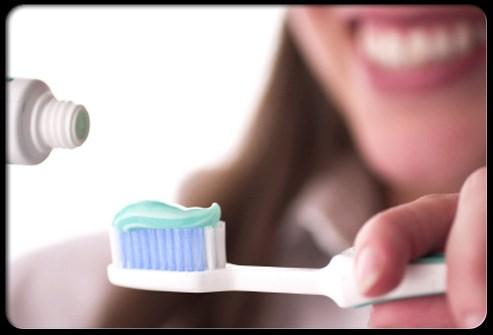 sự thật kinh hoàng về bàn chải đánh răng