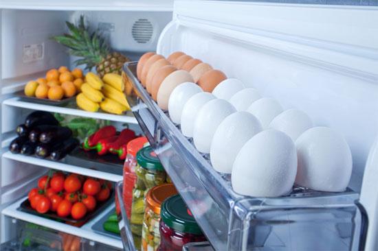 Bảo quản trứng trong thùng trấu hay trong tủ lạnh cũng là một giải pháp