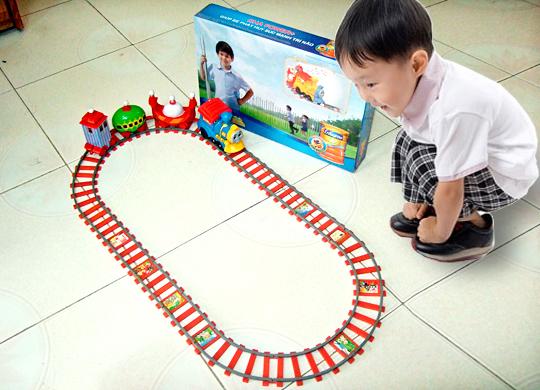 bộ đồ chơi xe lửa cho bé