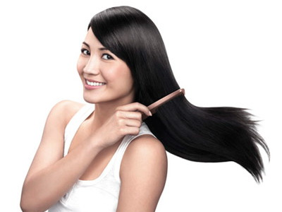Nếu bạn gái thích để tóc xõa tự nhiên, lựa chọn sáng suốt nhất là dùng máy là thẳng tóc