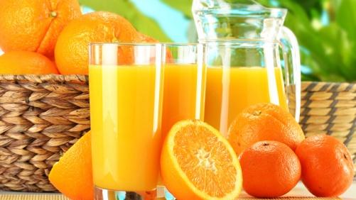 Cách chữa bệnh đau mắt đỏ nhanh nhất nhờ uống nước cam, ăn sữa chua,...