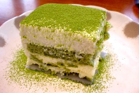 Cách làm bánh tiramisu trà xanh khá đơn giản, nguyên liệu không cầu kỳ
