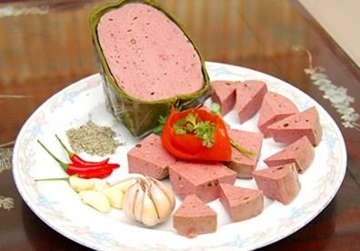 Món ngon ngày Tết là giò bò thơm ngon, hấp dẫn cho mâm cơm ngày tết