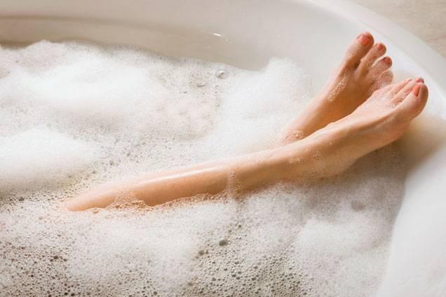 7 bước cạo lông đơn giản cho đôi chân mịn màng