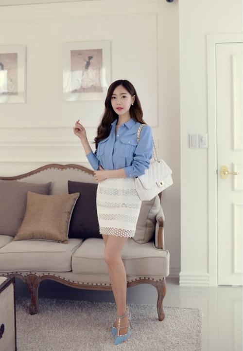 Chân váy ren diện tới công sở cần có lớp lót trong bằng chất liệu vải dày dặn với độ dài hợp lý