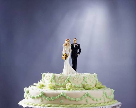 Theo tạp chí Brides, tại Anh một người dành trung bình 24.700 £ vào đám cưới của họ