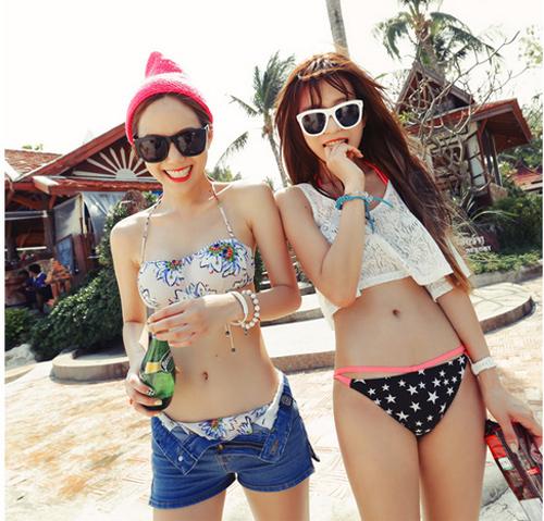 Bikini màu sắc sặc sỡ tạo cảm giác về một mùa hè tràn đầy sức sống và năng lượng