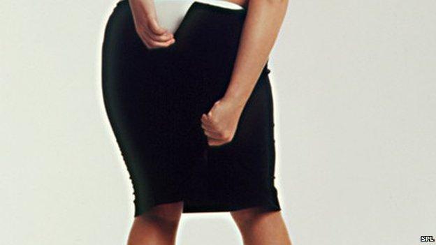 Những người phụ nữ trung niên thường xuyên phải nới cỡ váy có nguy cơ mắc ung thư vú cao