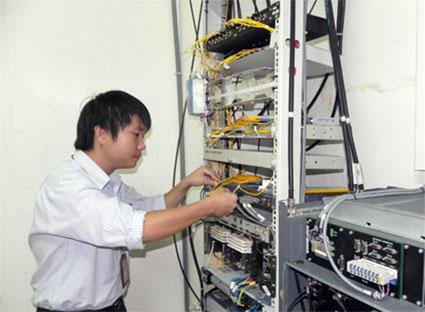 Nhân viên kỹ thuật điện tử là một việc làm lương cao phù hợp với phái mạnh