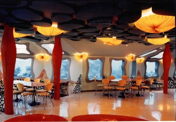 Red Sea Star Bar là quán bar dưới biển đầu tiên, nằm ở khu vực biển Đỏ