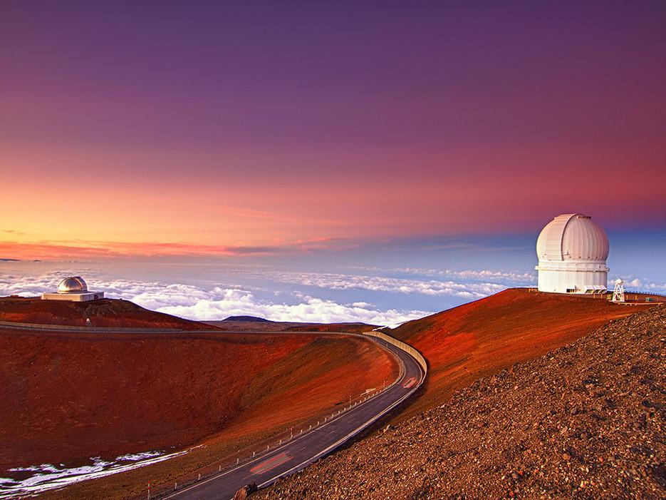 Mauna Kea  là đỉnh núi cao nhất ở bang Hawaii, một địa danh trên thế giới hấp dẫn khách du lịch
