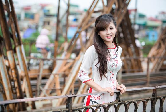 Cầu Long Biên luôn mang lại nhiều cảm hứng cho các bạn trẻ mê nhiếp ảnh