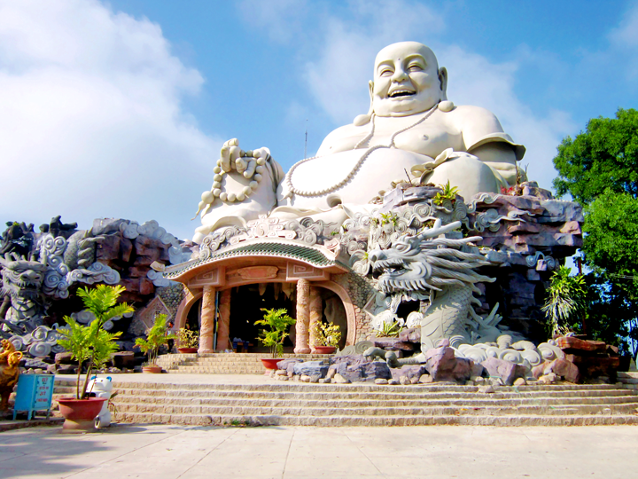 Núi Sam Châu Đốc là một trong những địa điểm lý tưởng cho các chuyến hành hương dịp đầu năm