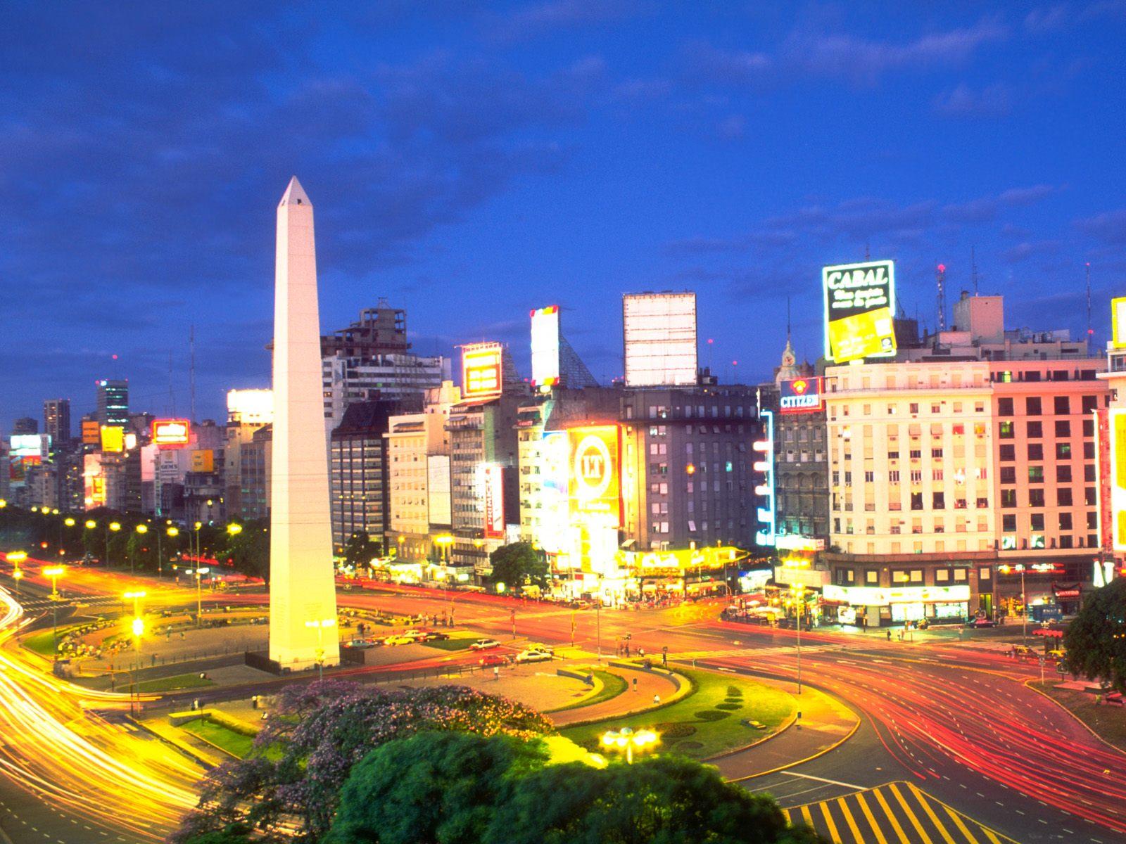 Cuộc sống về đêm đầy màu sắc và văn hóa đa dạng ở Buenos Aires