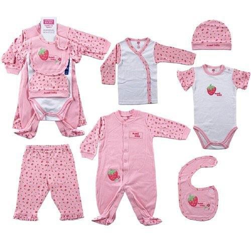 Quần áo là đồ dùng trẻ sơ sinh được các mẹ quan tâm nhất. Ảnh minh họa