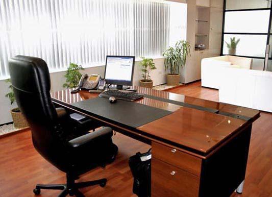 Máy vi tính là một trong những đồ dùng văn phòng cần lưu ý khi lựa chọn theo phong thủy